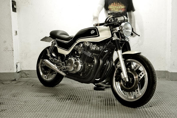 Cafe Racer Dreams